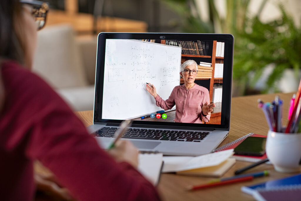 afacere cursuri online